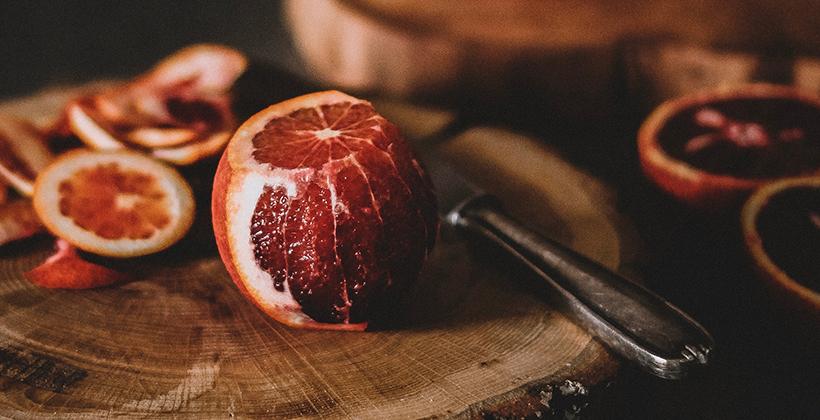 Smoothie z červeného pomeranče, mrkve a banánu